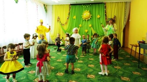 """В группах раннего возраста прошли развлечения """"Веснянка"""""""